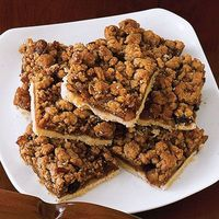 Our Apple Crumb Squares deliver all the flavor of an apple pie packed into tidy, bite-size portions.