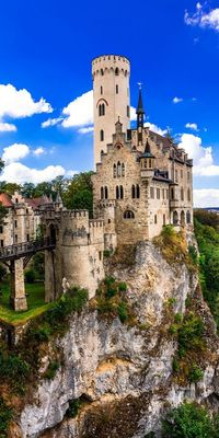 Neuschwanstein castle, Germany The Neuschwanstein Castle in Germany is one of the most romantic and famous icons of the country. The palace is also known as...