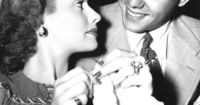 Lucille Ball knitting with Desi Arnaz (yay)