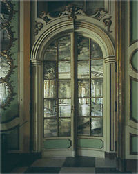 Michael Eastman, Portugal, door with mirrors, Lisbon palace ©Michael Eastman