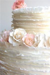 Cake by Maggie Austin Cakes on The Brides Cafe