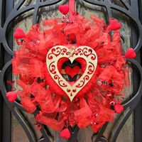 Tutorial: Valentine's Day Dollar Store Wreath - Dollar Store Crafts