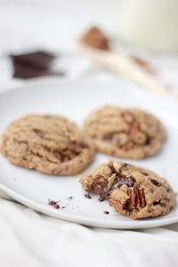 Cookies again? I know. I am out of control. I could tell you that since I did a more traditional chocolate chip cookie recipe in my last post that I wanted to d