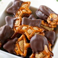 """Peanut Butter Pretzel Bites �€"""" like a peanut butter ball combined with a chocolate covered pretzel."""
