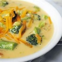 """Slow Cooker Cream of Broccoli Soup 