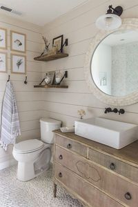 11 Stunning Examples of Farmhouse Shiplap Paneling: I'm dreaming of a farmhouse shiplap paneling accent wall in our bedroom, or in our living room.