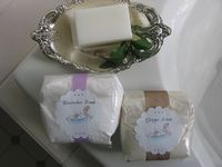 Holiday gift idea from 11 Magnolia Lane~Homemade ginger and lavender bath salts and free printable labels