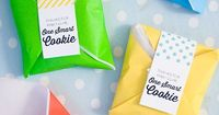 """End of the year teacher gifts! Free downloadable """"Thanks for making me One Smart Cookie"""" label."""