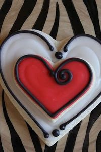 cute heart cookie, from a site full of gorgeously decorated cookies