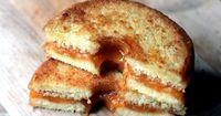 Doughnut Grilled Cheese makes 1 sandwich Ingredients 1 tablespoon each grapeseed (or olive) oil for frying 1 glazed doughnut 1 tablespoon softened butter 1-2 slices cheddar cheese (shredded cheese is a sub-optimal option here since it will fal...