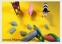 One way to make play dough snipping fun is if kids pretend they're making food for their animals or dolls. As you know, two- to three-year-olds are great at pretend play and, for some reason, I find they love to feed their toy animals and dolls. Thi...