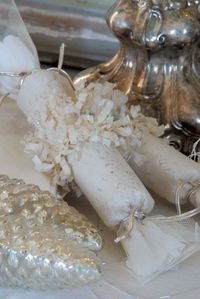 ~ Christmas crackers from Jeanne d' Arc Living
