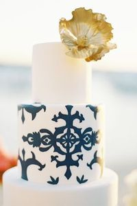 This chic, white and blue confection is by the Sweet and Saucy Shop. // Photo courtesy of Jen Huang Photography