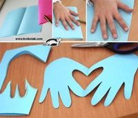 Making a hand card with a built-in heart <3 This will be great for a Mother's Day Craft!