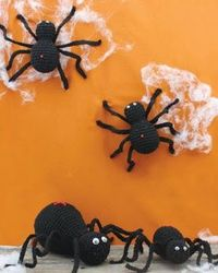 Lily® Sugar'n Cream® Spiders #halloween #craft #crochet #pattern