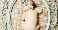 I absolutely LOVE this. I think I am obsessed with this...wish I would have seen this when Lucas was a newborn!