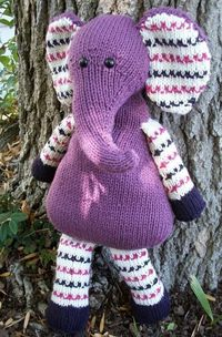 Pears the Elephant ( Totally adorable -I cant knit but I am sure I can adapt this for crocheting.L.D. )