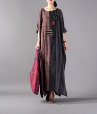 RED LARGE SIZE STITCHING DRESS HAND-EMBROIDERED BAT SLEEVE ROBES