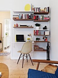 bookshelf/desk combo. cool.