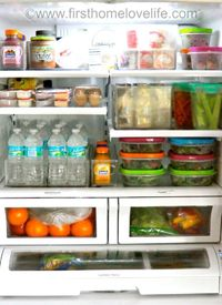 Today I'm sharing a few ways you can easily keep your fridge smelling fresh! You all may remember a few weeks ago when I was on an organizing kick how I organiz