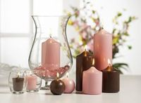 Pretty in pink and chocolate a popular and trendy color combination for weddings and home decor. Create an elegant tablesetting with the Victorian Hurricane Vase candle holder.