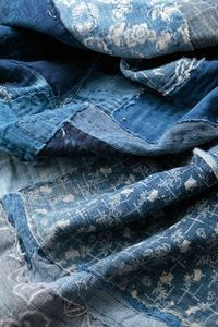 Traditional Japanese textiles - something to try with cheap pair of jeans, paint with clorox using toothpicks????