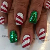 It's time to start getting inspired for Christmas! We have found the very Best Christmas Nail for 2018 and by the very best we mean 64 trending Christmas Nail D
