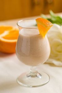 Orange Creme Shakeology Ingredients: 1 scoop Vanilla Shakeology ½ cup 100% orange juice ½ cup nonfat milk (or unsweetened almond milk) ½ cup ice (add more to taste) Preparation: 1. Place orange juice, almond milk, Shakeology, and ic...