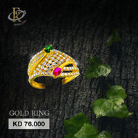 Give your look a glamorous upgrade with this gold ring.