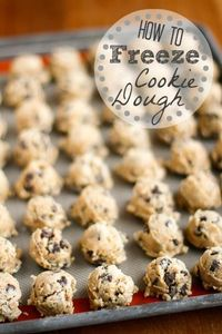How To Freeze Cookie Dough -- if you've ever wondered if you can freeze your favorite cookie dough, you're going to love this quick tutorial! Frozen cookie dough makes a fabulous and simple gift idea for so many occasions... | via