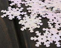 Pack of 100 Xmas Iridescent Snowflakes Sequins. 18mm x 18mm Christmas Confetti £6.99