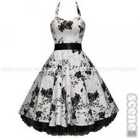 I think this is the millionth 50s style dress I've pinned, but I can't get enough of them.