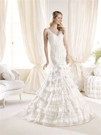 Romantic mermaid v-neck sweep train wedding dresses
