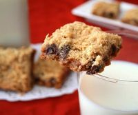 Carmelitas - crumbly oatmeal bars filled with gooey homemade caramel and chocolate chips.