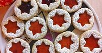 Spitzbuben Cookies - original german recipe in English - delicious christmas cookies!