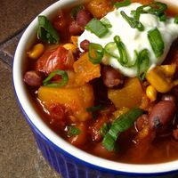 Perfect for Fall! I can't wait to make this: Slow Cooker Vegetarian Chili with Butternut Squash