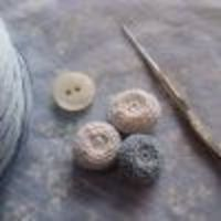 Lacy crochet button; demo video on the magic loop
