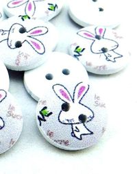 Pack of 50 Pale Purple Wooden Bunny Buttons. 15mm Diameter. Rabbit / Animal Theme . Upholstery, Dressmakers, Sewing, Crafts & Cardmaking £4.19