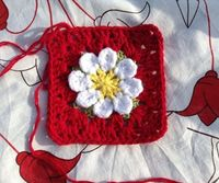 How to Crochet a Daisy Granny Square - Snapguide