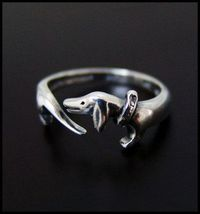 Dachshund Ring - I love this! May have to be a christmas gift to myself!