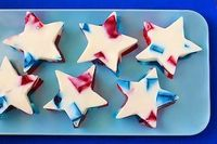 Let's face it--patriotically themed foods are superior to everything else on the 4th of July. That's why we have gathered the yummliest red, white, and blue