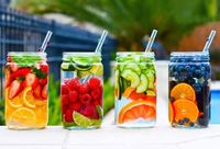 Detox water is all the rage right now - especially when you can easily make them at home yourself. Why bother buying the cheap �€œvitamin waters�€ you see in store