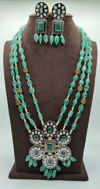 Beautifull Victorian style pendent emrald beeds mala with earrings $128.00
