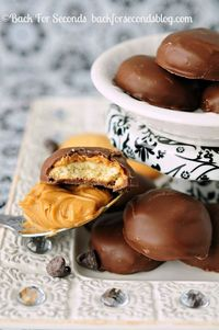 Make Tagalongs with 3 Ingredients!! http://backforsecondsblog.com #tagalongs #girlscoutcookies #recipe #chocolate #peanutbuter #nobake