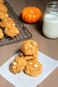 White Chocolate Pumpkin Cookies. I lurveeee pumpkin, plan on making substitutions for some ingredients to make them healthier!