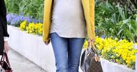 Kristin Cavallari, MTV reality star and girlfriend of Chicago Bears Quarterback, Jay Cutler, rocked her baby bump like nobody I've ever seen. It certainly helpe