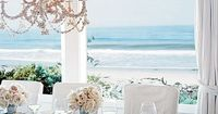 Dazzling and fresh, beach rooms bathed in white have timeless elegance and brilliant good looks.