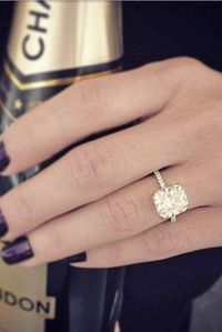 There are so many different styles of engagement rings to pick from today. No wonder it can be hard to find the perfect one! We have a list of some of the most