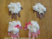 Looking for a fun and easy toddler/preschooler craft for spring or Easter? Try this super cute hand print sheep!