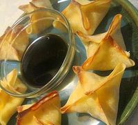 Baked Cream Cheese Wonton! Only 4 ingredients and super easy!